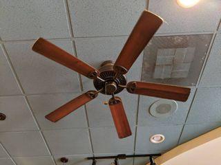 Hampton Bay Fan  Buyer Responsible For Removal