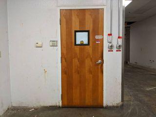 Door  Needs New Door Knob  Buyer Responsible For Removal