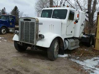 1984 Freightliner FLC Truck Tractor