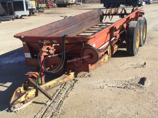 New Holland 676 Manure Spreader T/A