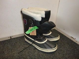 NEW Pair of Winter boots Size 12
