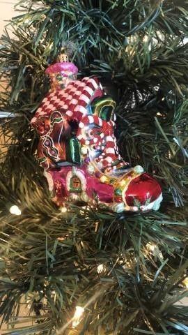 Radko ?Sugar Shoe Shack? Ornament