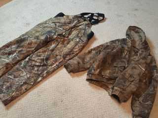 Camoflage insulated bibs & Jacket size large