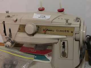 Singer sewing machine & accessories