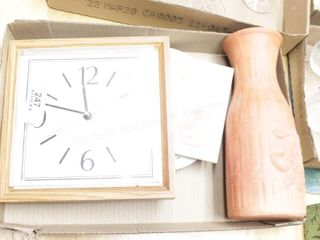Clock & decor (coasters, vase)