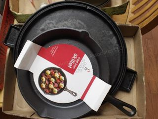 "Cast iron 10"" skillet & round griddle (2pcs)"