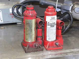 Pair of 4 ton Hydraulic Jacks