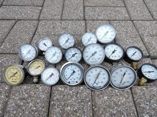 assorted pressure gauges