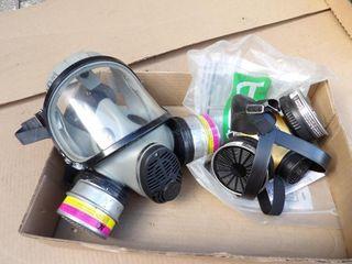 2pcs. Respirator masks