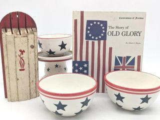Stars and Stripes Bowls, Stars Pedestal, Knife