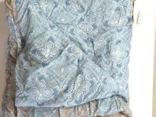 (2) Blue Floral Comforters