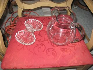 2 pieces of crystal glass