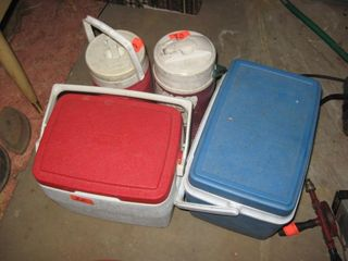 Coolers   Thermos jugs