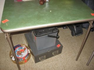 Samsonite card table and chairs