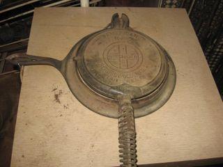 Griswald   8 waffle iron