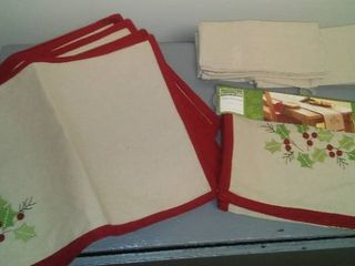 Holiday Placemats, Napkins and Table Runner.
