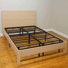 ClASSIC FRAMED PlATFORM BED  Queen