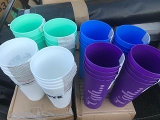 large plastic cups great for summer outdoor picnic in the backyard anywhere where you dont want glass 32 in a case as pictured