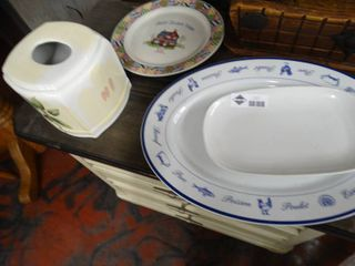 lot of assorted china pieces