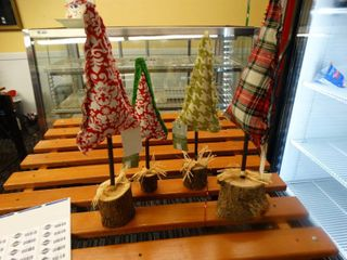 4 new Zippity stitches Christmas trees