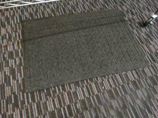 2 floor mats
