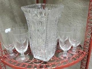 Crystal vase with set of 8 wine glasses