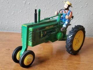 John Deere Model B10 toy tractor collectible
