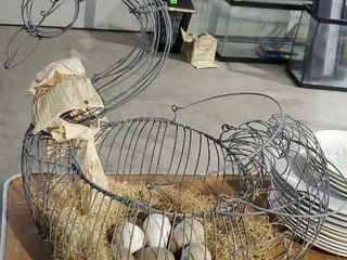 Wire goose with eggs