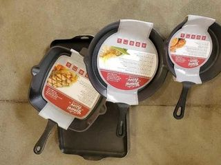 Cast iron frying pans and grill pan, set of 4