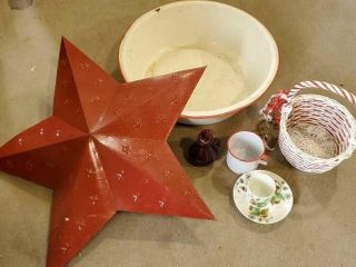 Red enamel wash tub, metal star, basket,