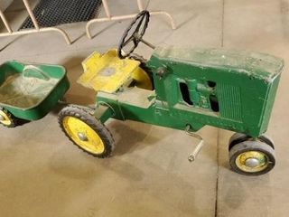 Pedal tractor with wagon