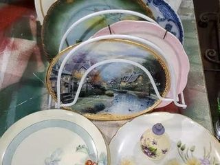 Plate rack, variety of decorative plates
