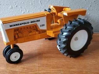 Minneapolis Moline G850 Summer Fest toy tractor