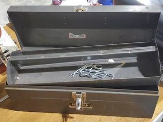 Tool box with hairpins