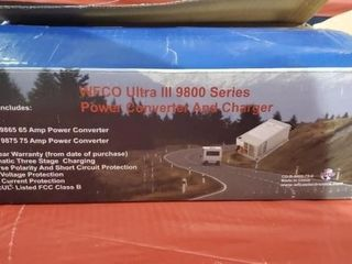 WFCO ultra 390 100 series power converter, charger