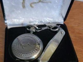 Ducks Unlimited Quartz pocket watch, knife set