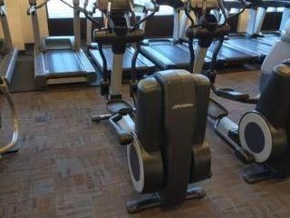 Life Fitness 95XS Elliptical Cross-Trainer