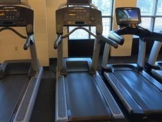 Life Fitness FlexDeck Incline Treadmill