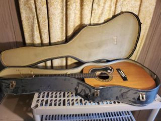 KKAY Acoustic Guitar  in Black Case