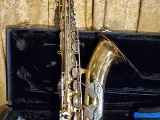 Vito Saxophone with Blue Case snd Attachments