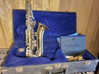 King 613 USA Saxophone  with Attachment