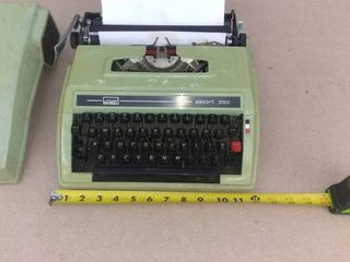 Beautiful Vintage Escort 350 Typewriter In Carrying Case