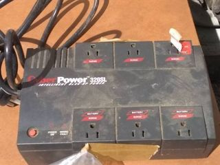 Cyber Power Battery Back up Power 300 Watts 13 35 Minutes   525 sl