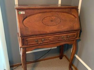 Nice Drop Front Wood Table