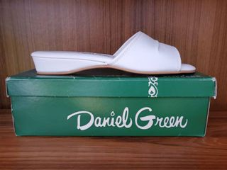 Daniel Green White Slip On Womens Shoe 10