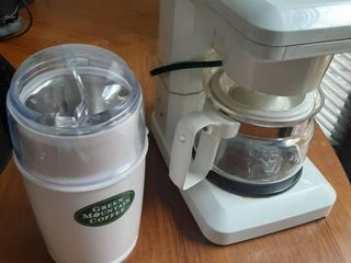 Mr Coffee Single Cup Coffee Pot and Coffee Grinder