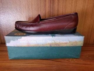 SAS Size 10.5 N Antique Wine Loafer