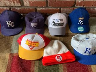lot Of 7 Sports Hats location Master Closet