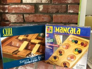lot of 2 board games location Fireplace