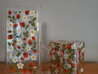 Vintage Ice Tea Pitcher and 5 Matching Strawberry Glasses